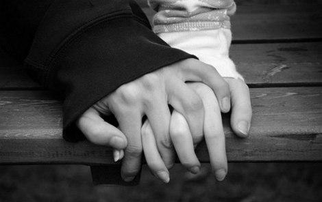 pareja-tomado-de-la-mano